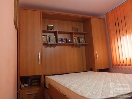 Dormitor cu Pat Incorporat si Canapea D 024