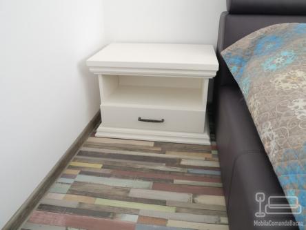 Noptiera din lemn NL 001